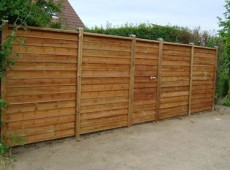 Opsætning af hegn, plankeværk, stakit