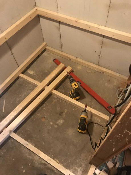 Bygning af sauna.